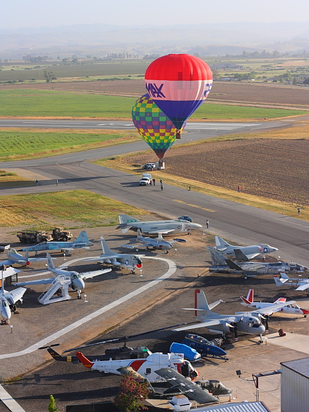 picture of hot air balloons at the Estella warbird museum in Paso Robles