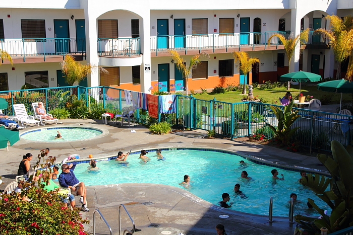 The fenced play area for pets at the oxford suites in pismo beach